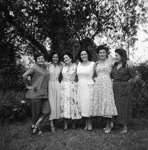 20 Leonard Sisters and Mom